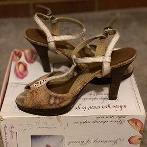 Cute Kenise Sandals